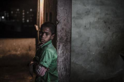 Akash lives on the streets around the main railway station in Dhaka. He has moved to Dhaka on his own. CJ Clarke/Save the Children