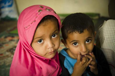 Malak* and Lua'e* were displaced from Sa'ada and now live with their family in Amran. Mohammed Awadh/Save the Children