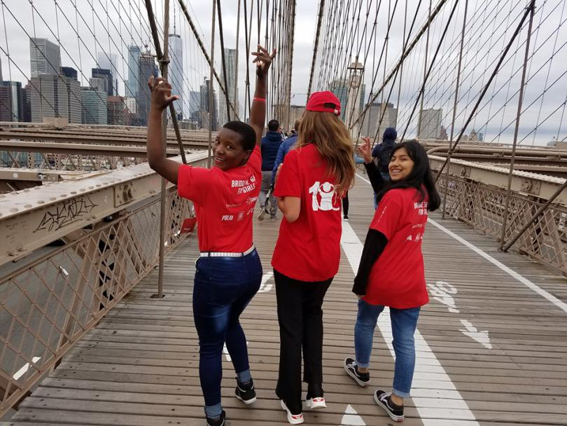 Girls on the bridhe in NYC