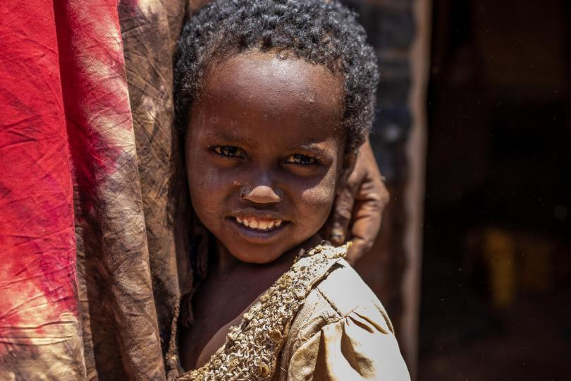 Amburo* (4) and her family were displaced by drought and live in a camp in Somalia where they access Save the Children services