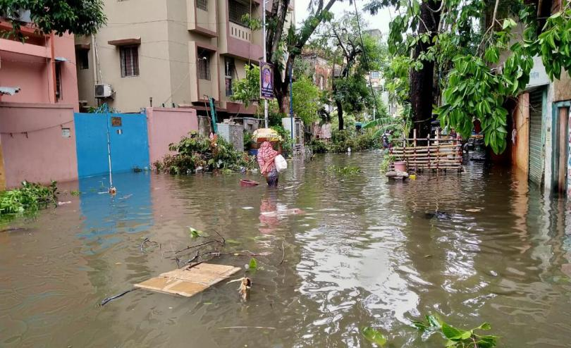 Heavy rains and flooding as Cyclone Amphan impacts large parts of Kolkata, West Bengal, India