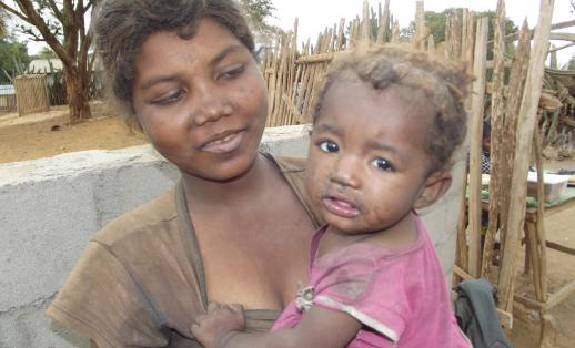 Tsaravolae, 19, with her one year old daughter Rovasoa in Southern Madagascar