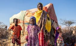 Canab (37) and her children Sayid and Salma (2), Cawo (6), Mohamed (7) and Abdishakur (1) were forced to leave their home in Somalia due to drought and water shortages