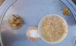 Syrian family's meal - Day 3 - Hummus and pickles